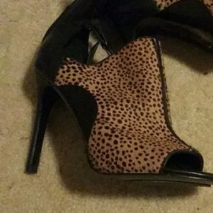 Faux Fur Leopard Print Heel